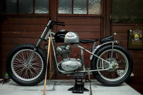 ©hermann-koepf-swanson-frame-flat-track-vintage-ducati-short-track-250-build